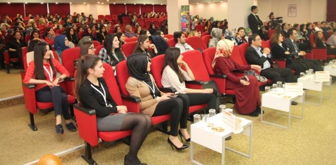 Diyetisyen Olmak ve Diyetisyeni Anlamak Konferansı