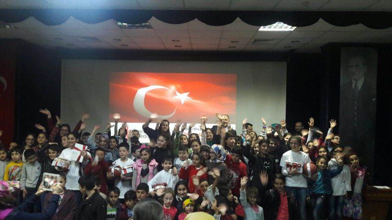 İstiklal Marşı'nı ezbere en güzel okuma yarışması