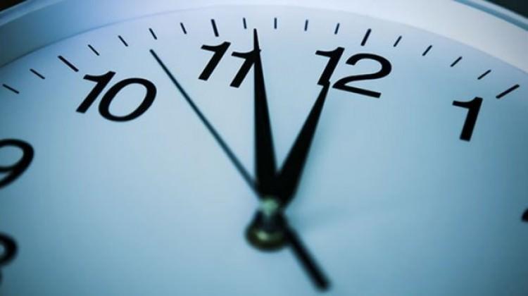 Saat Kaç, Yaz Saati Uygulamasına Geçildi mi, Saatler İleri Alınacak mı? (26 Mart 2017 Saat)