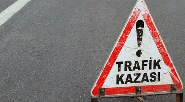 Sivas'ta Buzlu Yolda Bir Otobüs ve Minibüs Devrildi: 33 Kişi Yaralandı